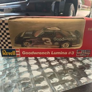 1:24 die cast Dale Earnhardt Goodwrench Lumina #3